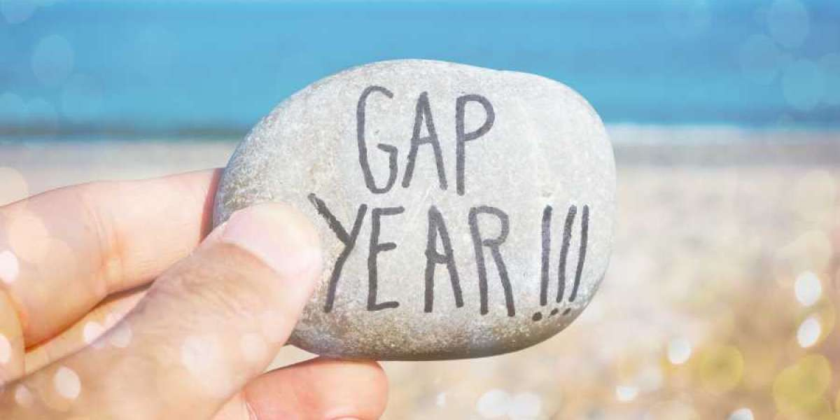 The Best Gap Year Programs To Do If You Don't Have Money