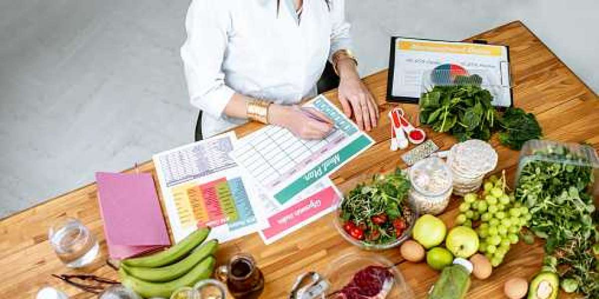 Why You Should See A Nutritionist Now
