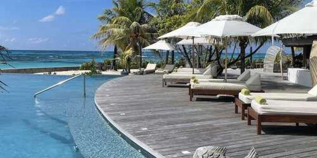 Hotel Review: Denis Private Island, Seychelles.
