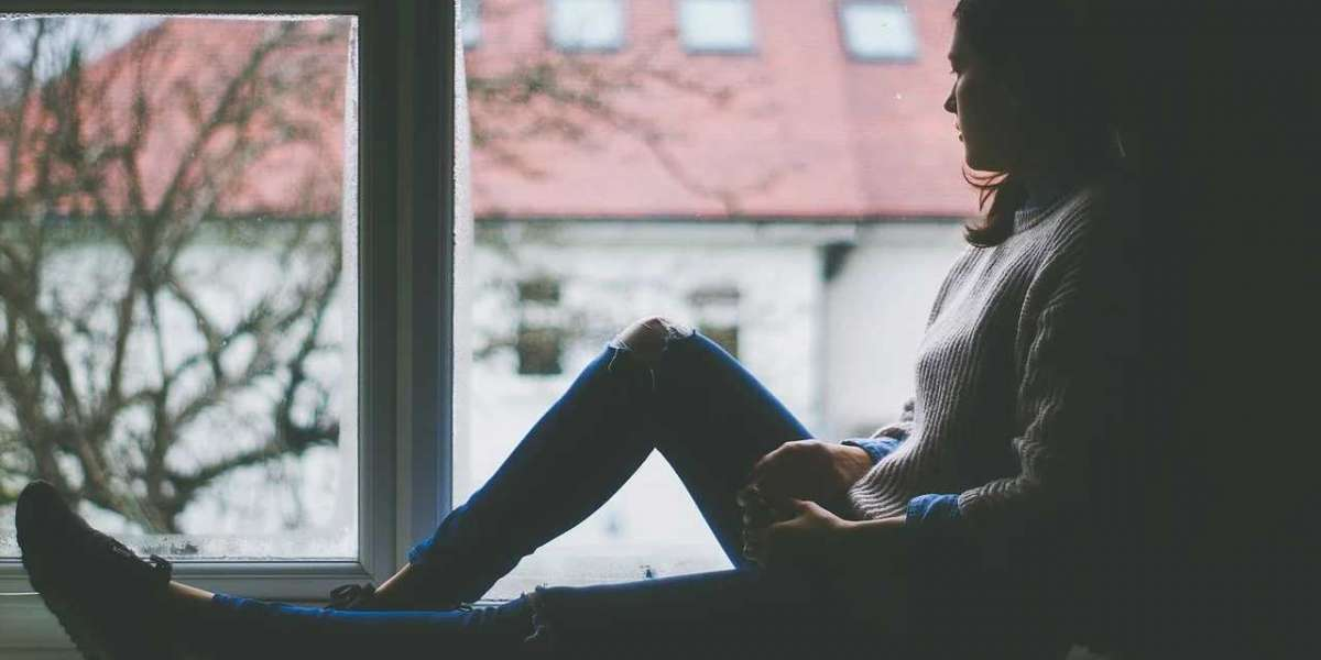 Depression Isolation: What To Do When a Loved one Becomes Socially Withdrawn