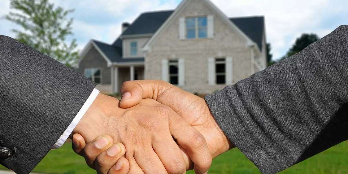 How to Pick the Right Type of Real Estate Agent for Your Property