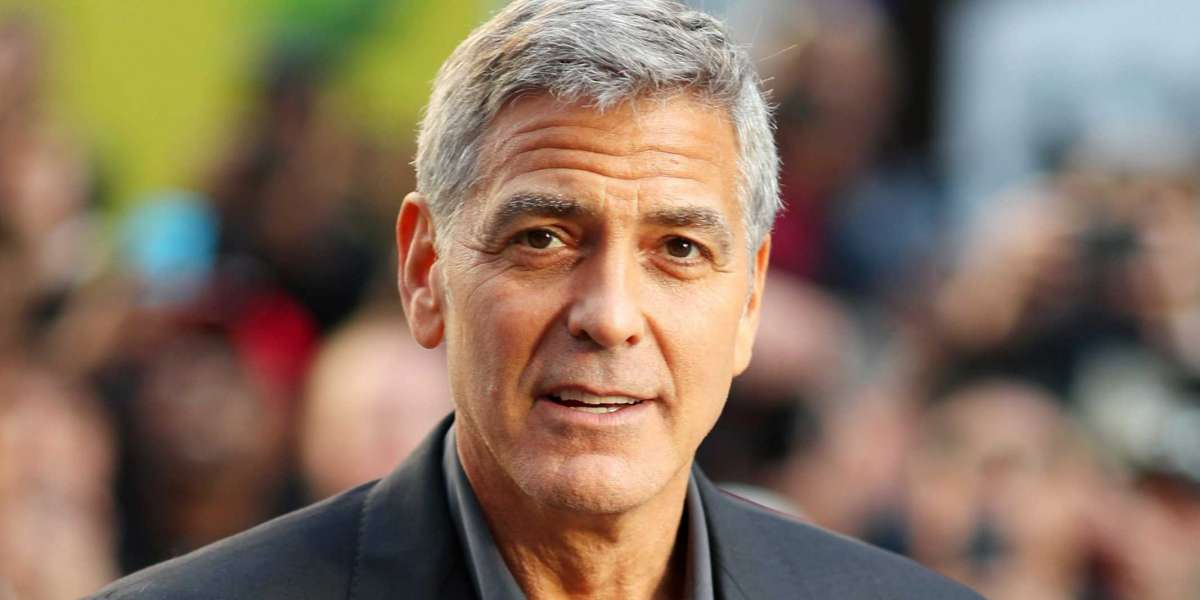 32 Little Known Facts About George Clooney