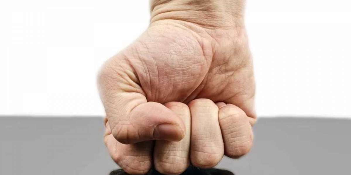 AVOID YOUR NEXT HAND OR WRIST INJURY WITH THESE QUICK TIPS