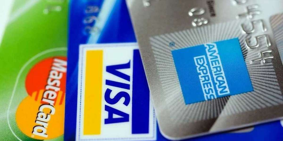 How I Ended My Love Affair With the Credit Card (and Why I Use Cash)