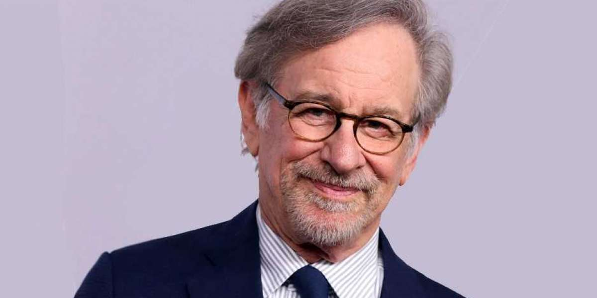 31 Acclaimed Steven Spielberg Facts. Cut!