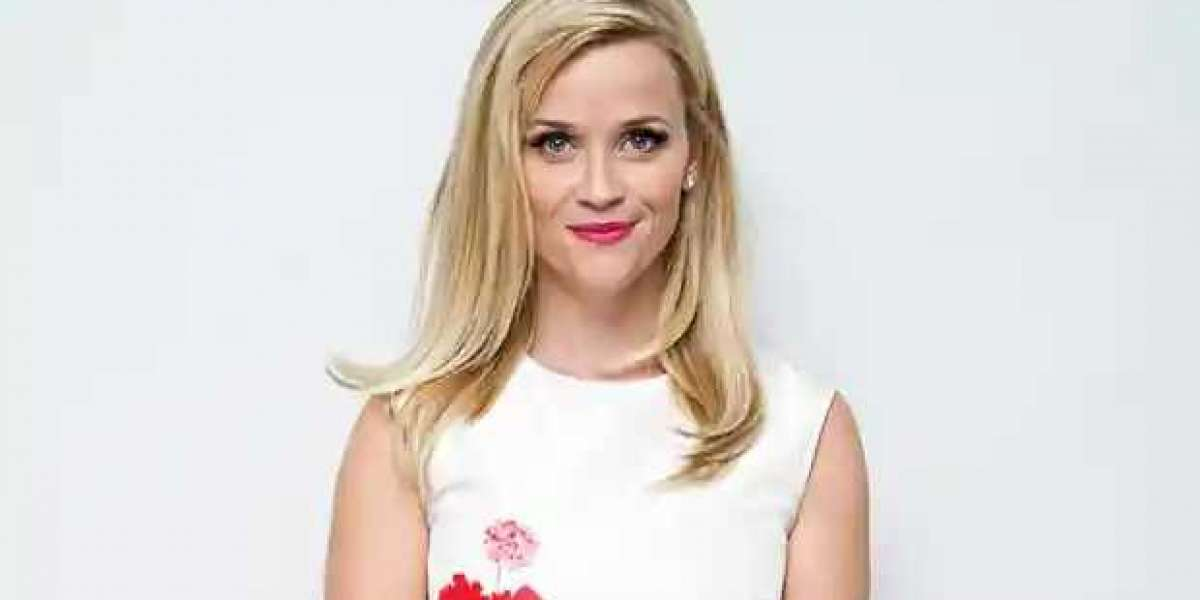 Reese Witherspoon Swears By the Calming Effects of Yoga Before a Big Event