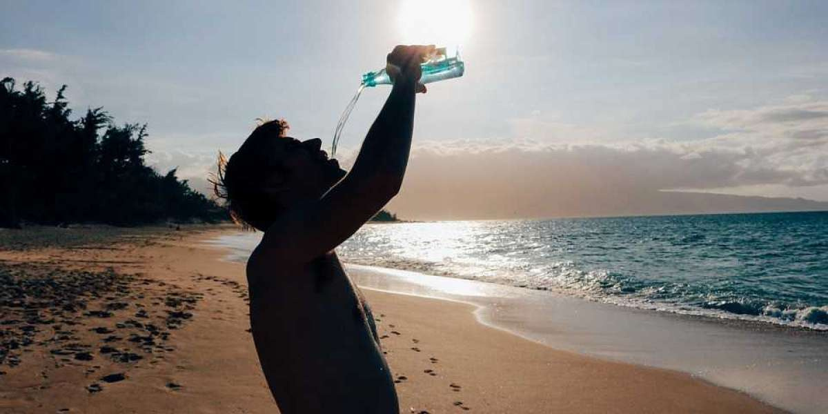 4 MAJOR REASONS WHY IT'S IMPORTANT TO STAY HYDRATED