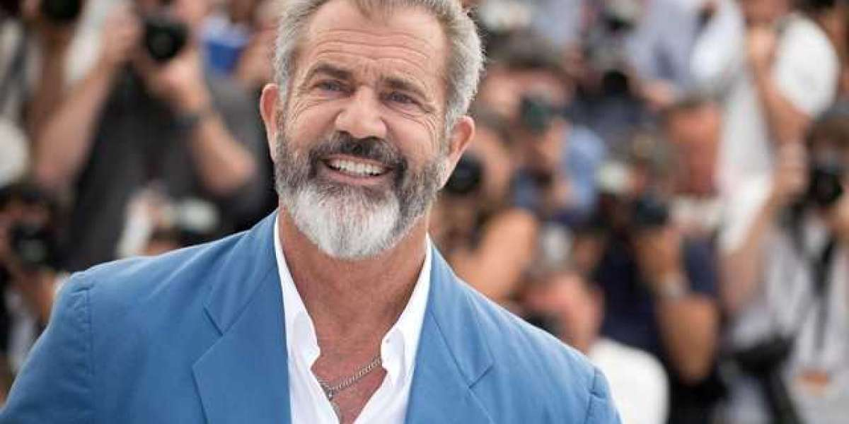 33 Wacky Facts about Mel Gibson