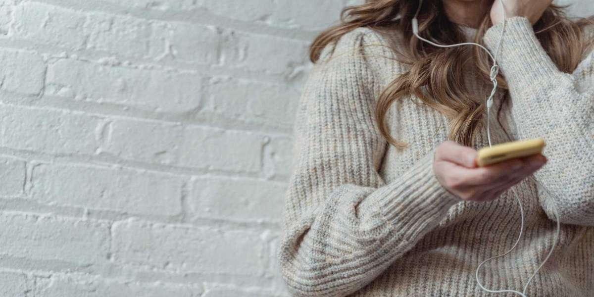 HOW TO BUY CASHMERE FASHION PIECES