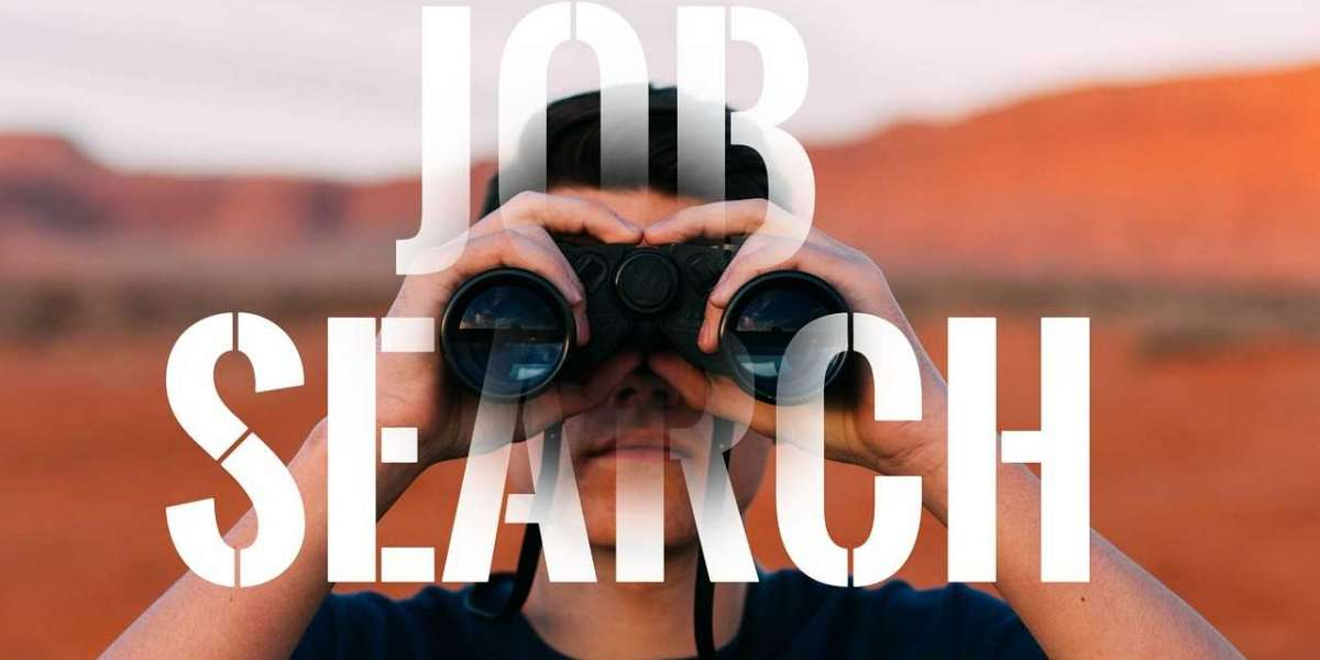 6 Tips to Stand Out and Land a New Role in a Post-Pandemic Job Market (Because You're Not the Only One Looking!)