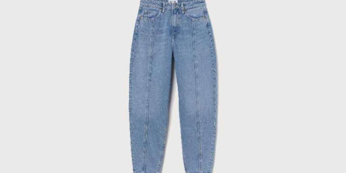 How to Style Fashion's Most Controversial Jeans Trend Once and For All