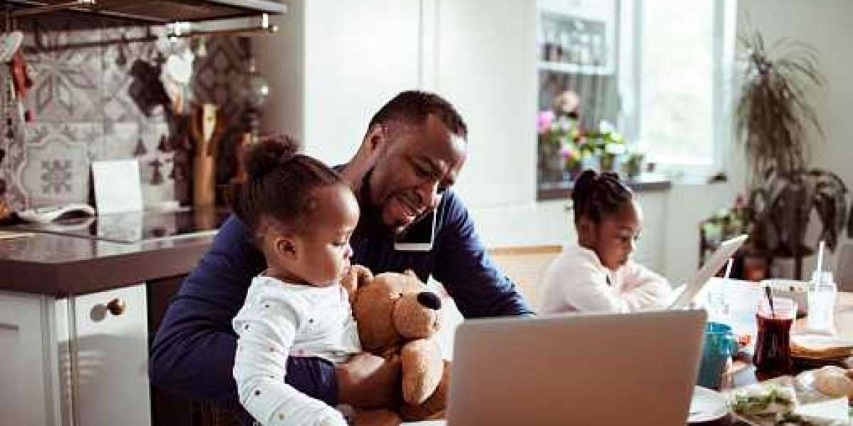 8 Benefits and Perks That Can Help Parents Thrive at Work and at Home