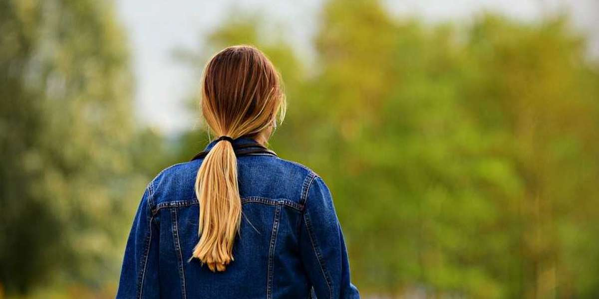 How to Get a Voluminous Ponytail