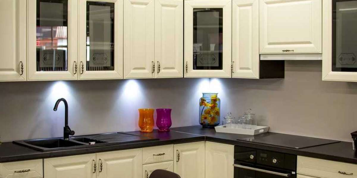 6 Ingenious Kitchen Projects to Make It Feel Bigger